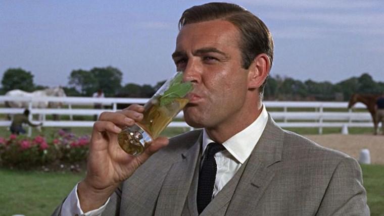 Οι 5 λιγότερο παχυντικοί τρόποι για να απολαμβάνεις τα ποτά σου