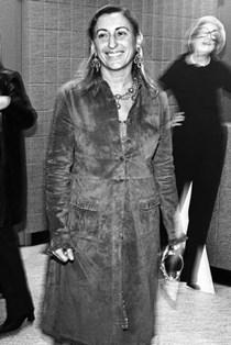 Miuccia Prada: Η γυναίκα που άλλαξε την αντρική μόδα