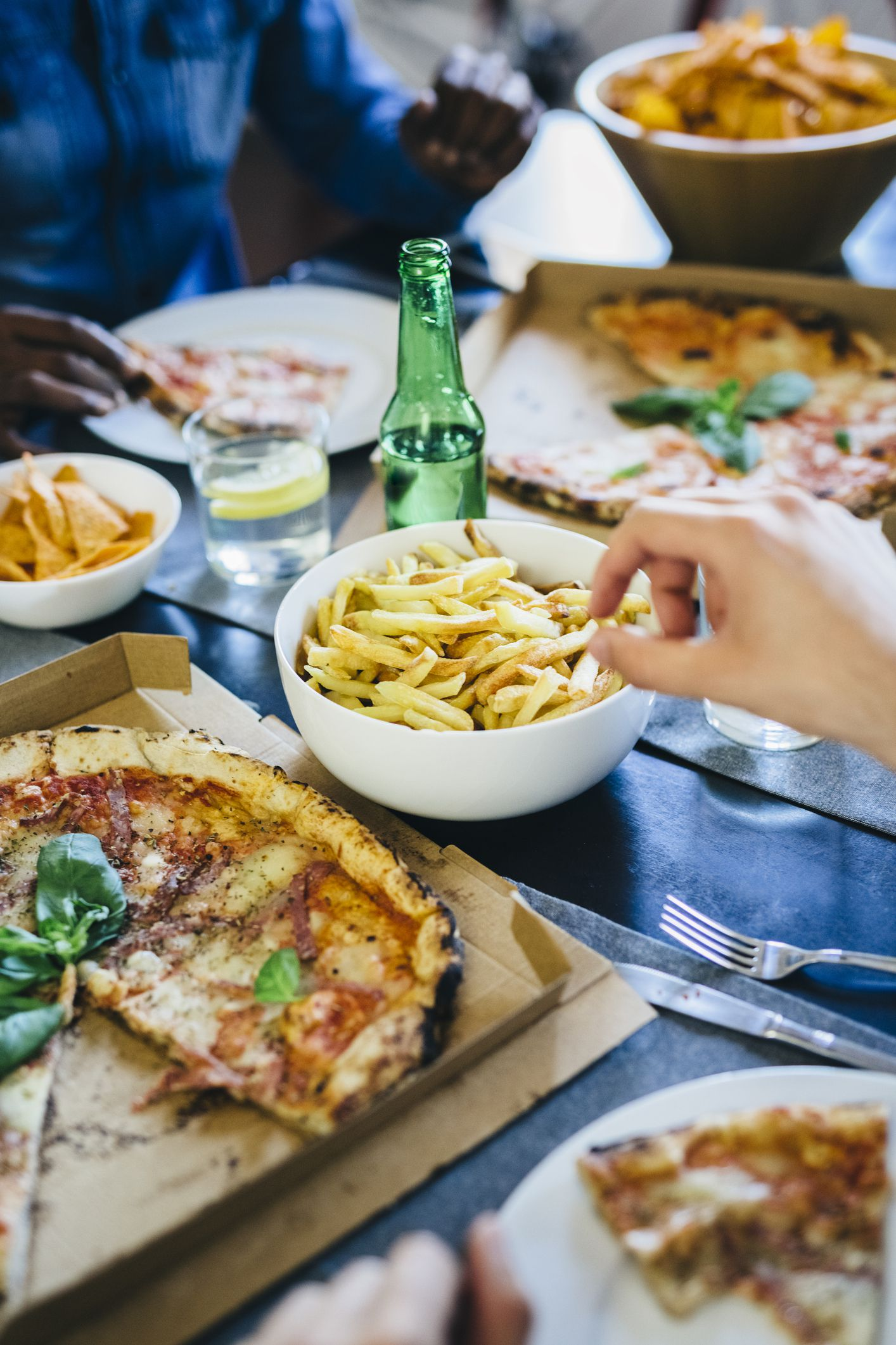 """Οι κίνδυνοι της """"ελεύθερης μέρας"""" στη δίαιτά σου"""