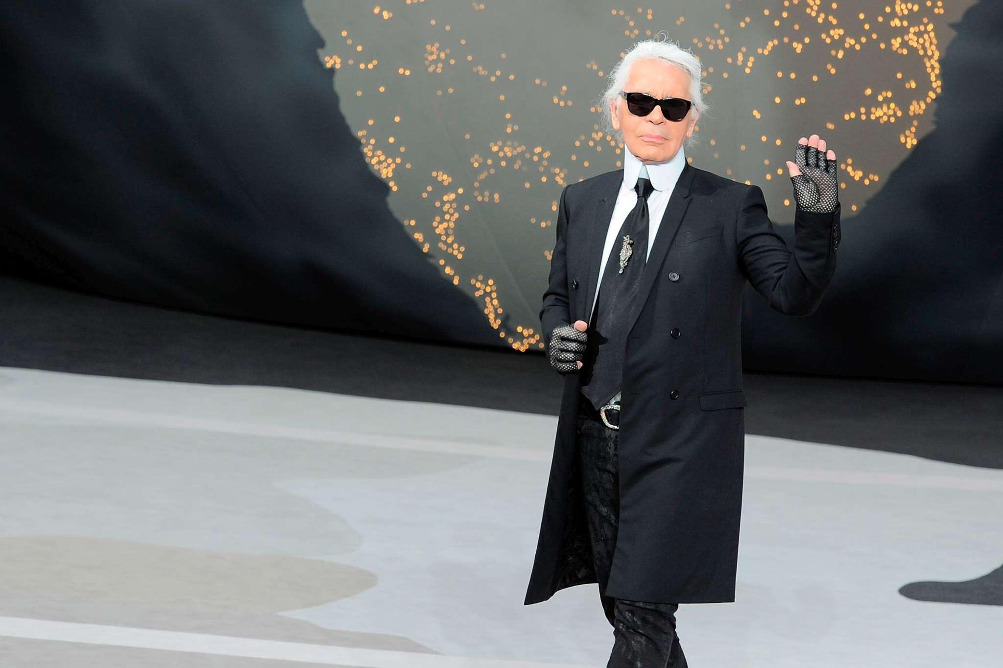 Πέθανε ο Karl Lagerfeld 8ed9ebe4497